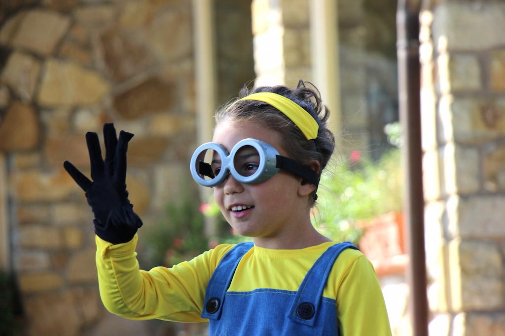 how to dress kids as a minion