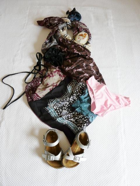 outfit fatto con foulard per bambini