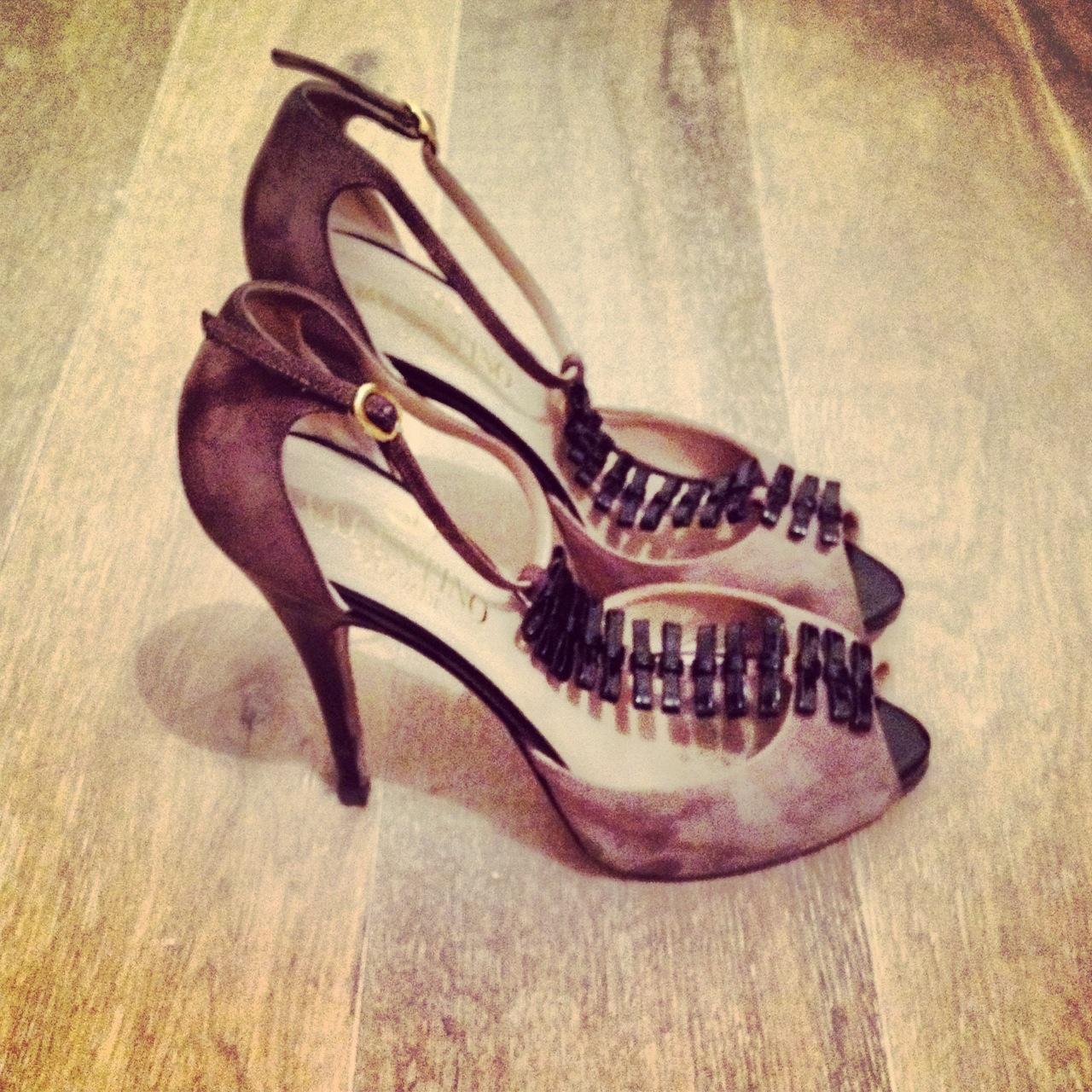 scarpe valentino per outfit matrimonio