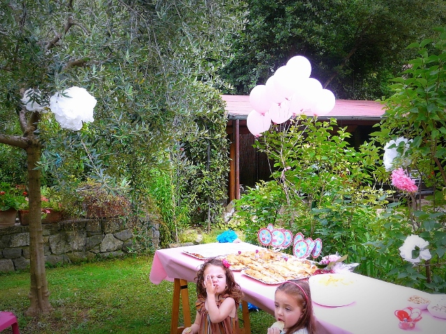 BORTHDAY PARTY MOM AND DAUGHTER'S OUTFITS allestimento feste di compleanno