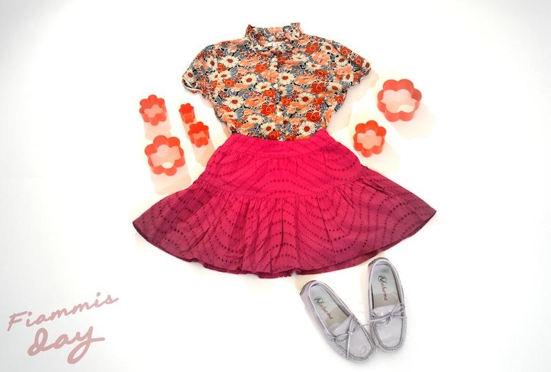 un outfit bambini colorato
