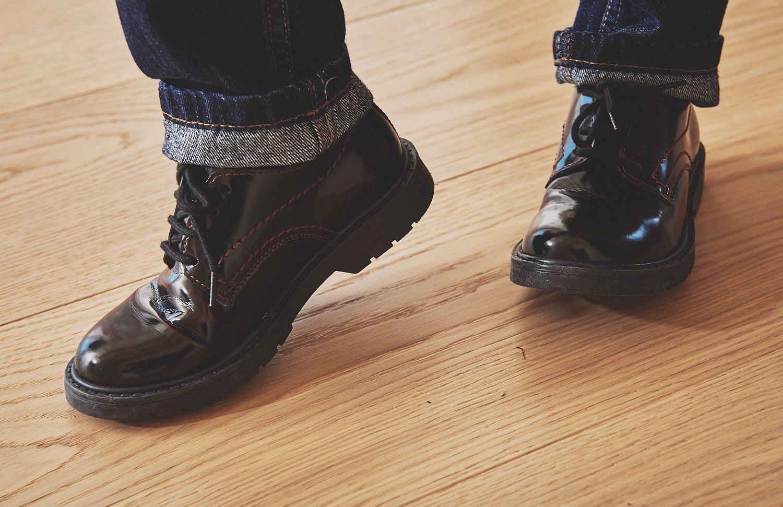 look per i maschi scarpe