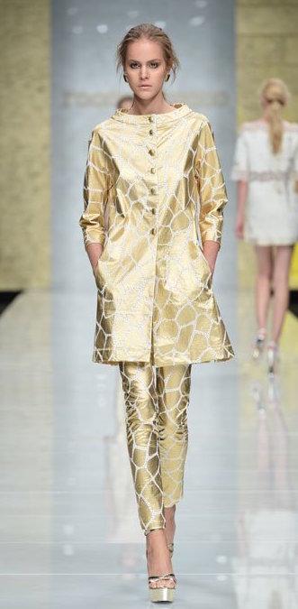 0757ef49b354 Un consiglio  Optate per l oro in inverno e per l argento in estate. cosa  indossare a un matrimonio colori metallici