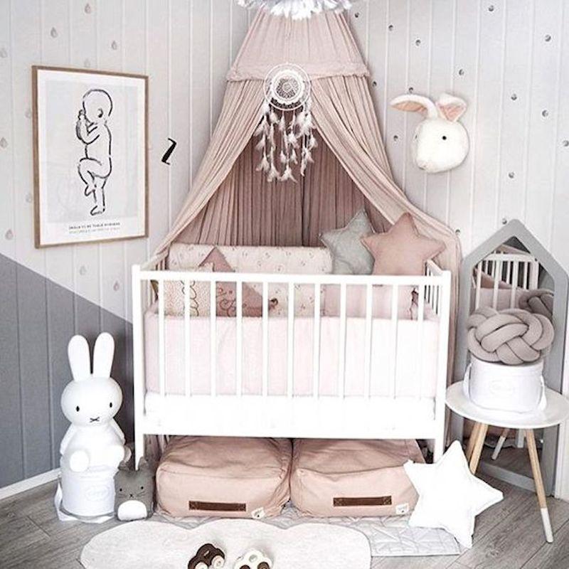 Stencil cameretta neonato come arredare la cameretta dei - Decorare la cameretta del neonato ...