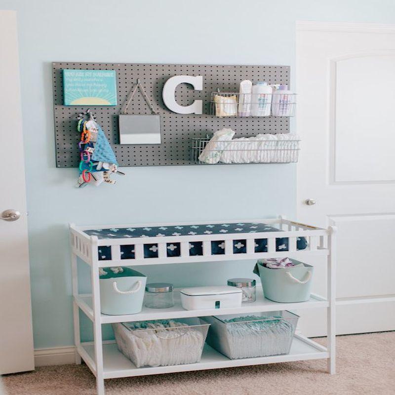 Come organizzare il fasciatoio del neonato per il cambio - Organizzare cassetti bagno ...