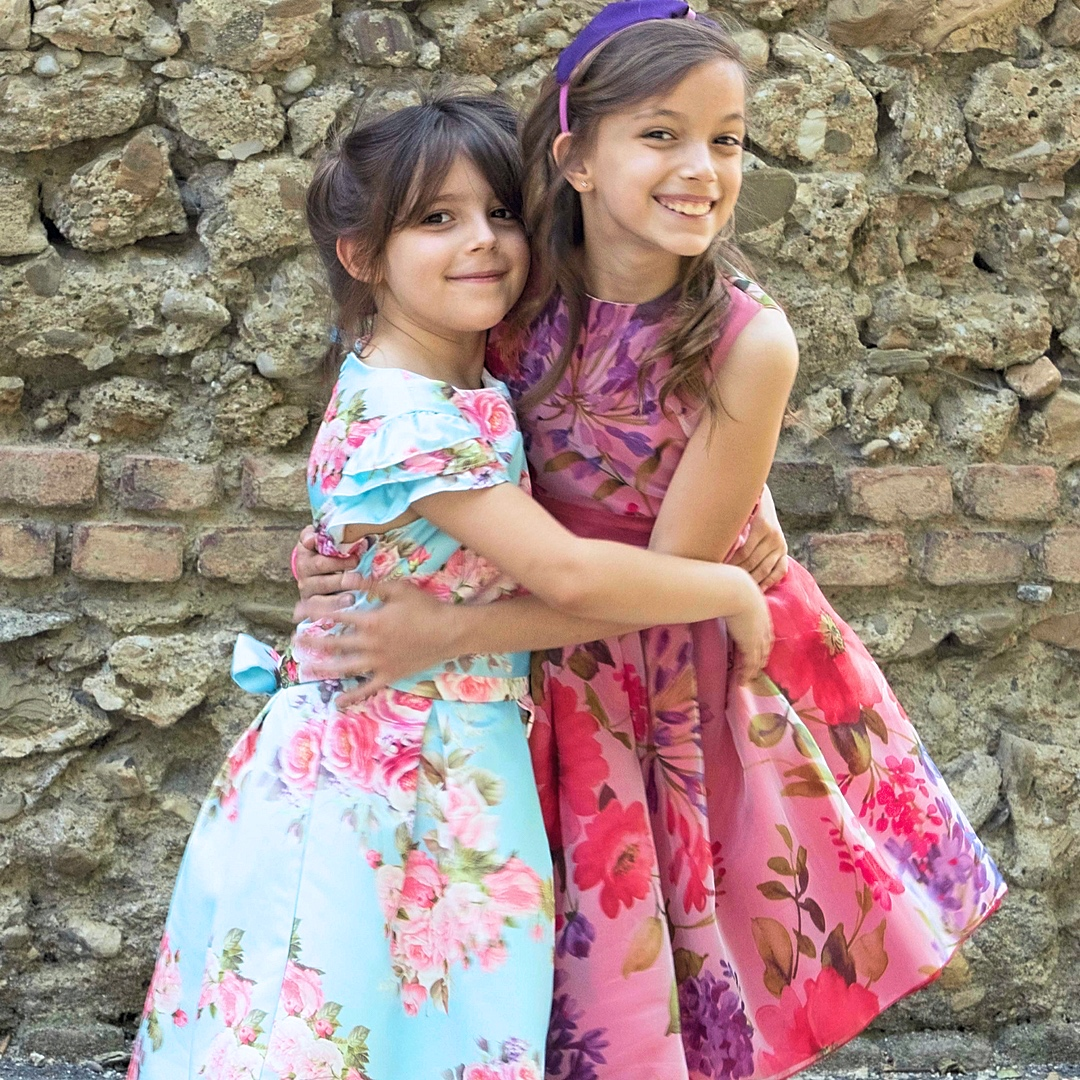 come vestire due sorelle per una cerimonia