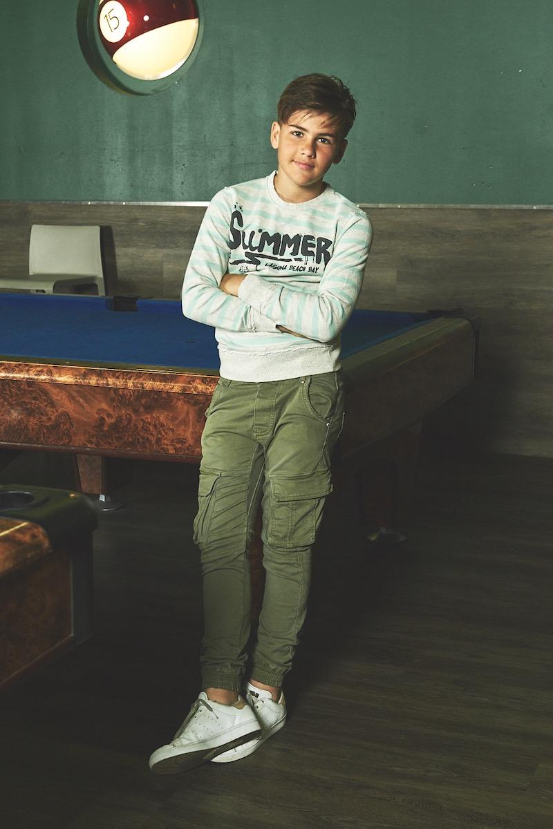 abbigliamento per ragazzi