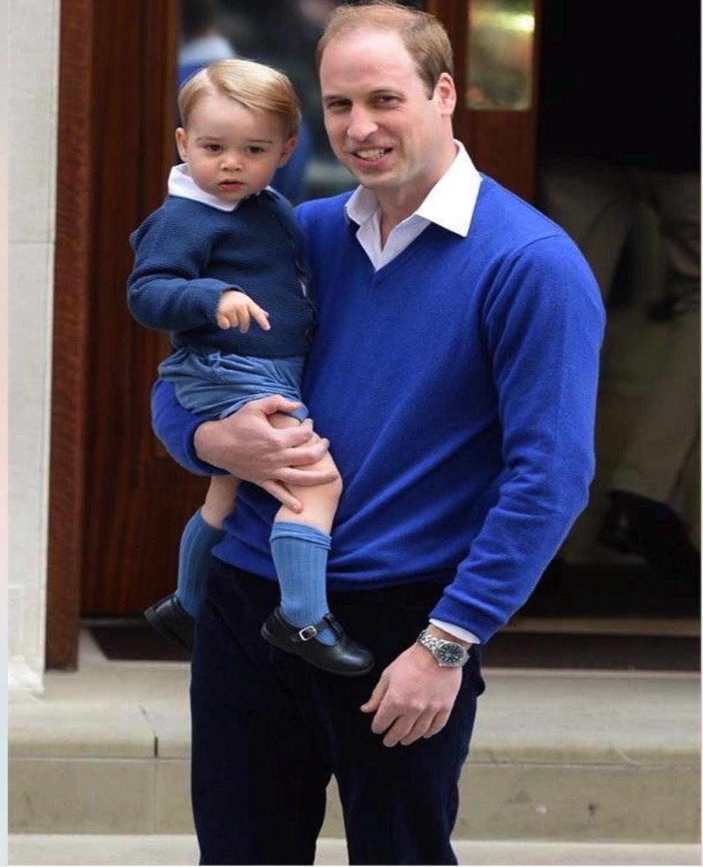 padre e figlio vestiti uguali