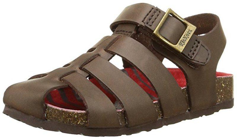 In commercio è possibile trovare tanti modelli di sandali per bambini, sia eleganti sia sportivi, sia per femminuccia che per maschietto. E in tantissimi colori. Non ci resta che scegliere quello piu' adatto ai piedi dei nostri bambini.