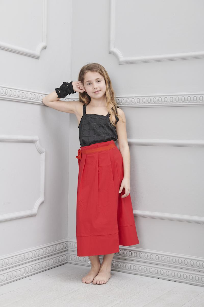 6abb4135cf09 La gonna lunga per le bambine e come indossarla in estate